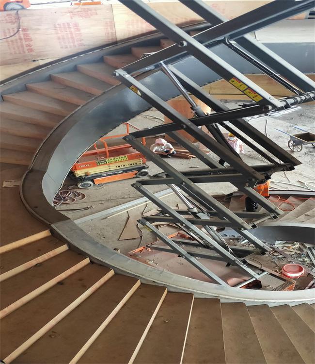 广州纳米产业投资有限公司——旋转楼梯