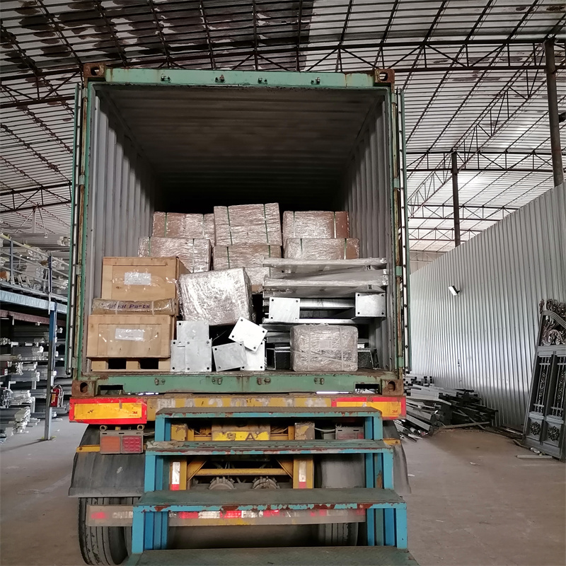 广东众工按时装柜菲律宾钢结构楼梯